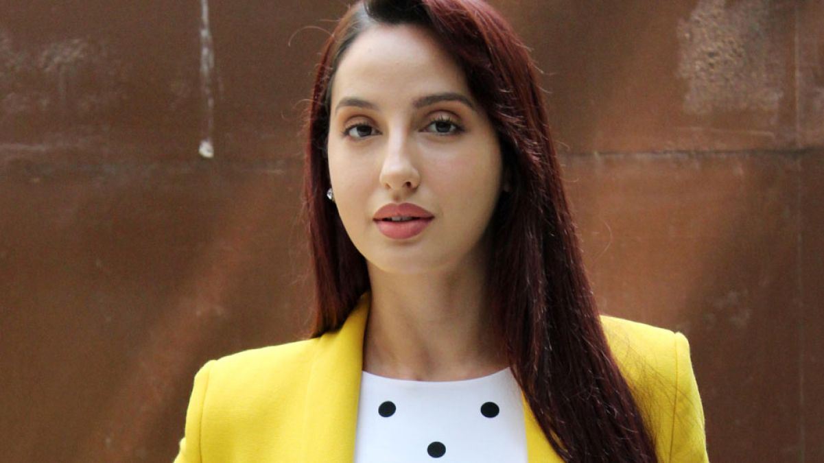 Nora Fatehi's fans get crazy on her dance, see her best dancing moves in these videos