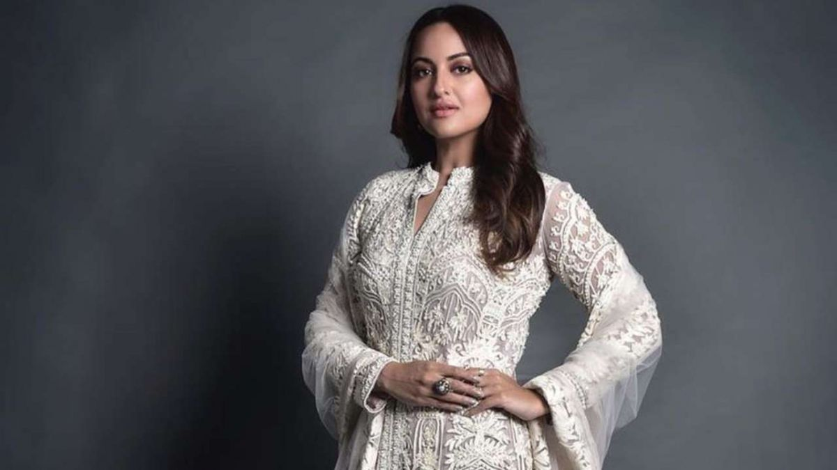 Sonakshi Sinha is being trolled due to her common sense, now this fan termed her as arrogant
