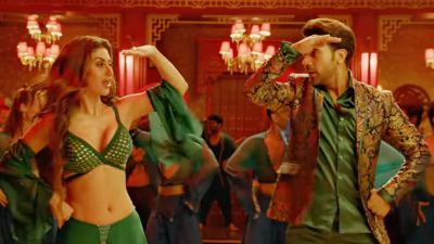 VIDEO: 'Made in China' first song 'Odhni' released, Mouni Roy sets fire with her dance