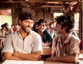Hrithik Roshan surprised Anand Kumar with his strong transformation from Anand of 'Super 30' to Kabir of 'War'!