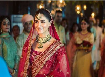 आलिया भट्ट निभाएंगी अंडरवर्ल्ड की इस खतरनाक महिला का किरदार, पीएम नेहरु से भी कर चुकी है मुलाकात