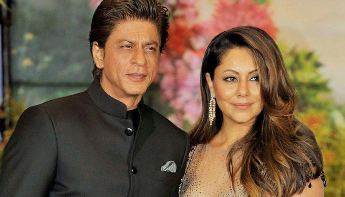 نتيجة بحث الصور عن SRK and his wife