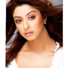 Payal Ghosh receives death threat, demands Y-category security from Governor