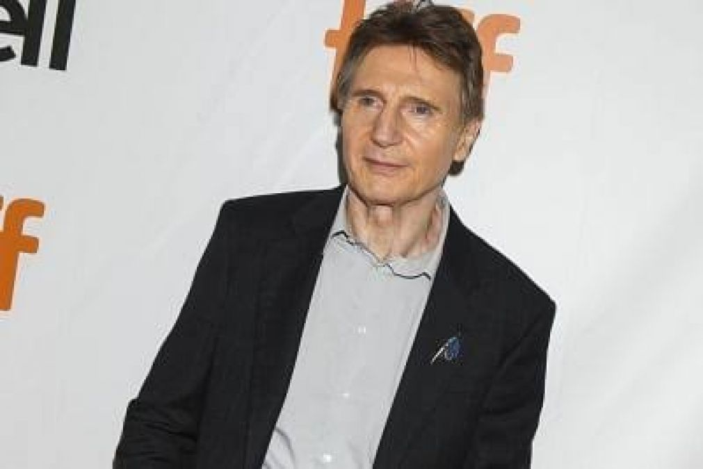 When Liam Neeson caught pouting, photo goes