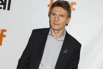 When Liam Neeson caught pouting, photo goes viral