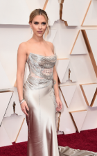 Oscars 2020: Olivia Colman sizzled in black dress, see celebs red carpet look here