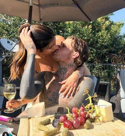 बॉयफ्रेंड संग रोमांटिक हुई मिया खलीफा, किस करते हुए शेयर की फोटो