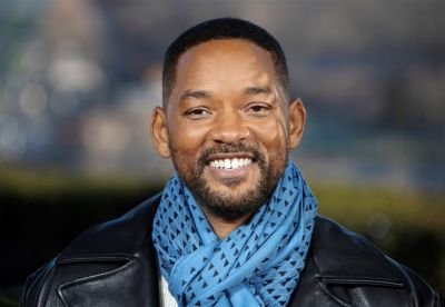 Will Smith gives wonderful gift to a retiring receptionist, actor gets such reaction