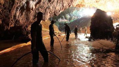 पर्दे पर दिखेगी थाईलैंड की गुफा में फंसे बच्चों की कहानी