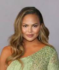 American model Chrissy Teigen took this step for protesters