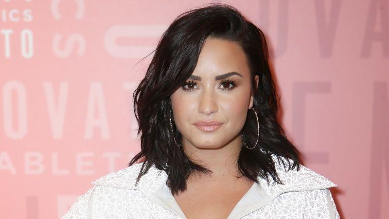 Demi Lovato praises Queen fame Christina