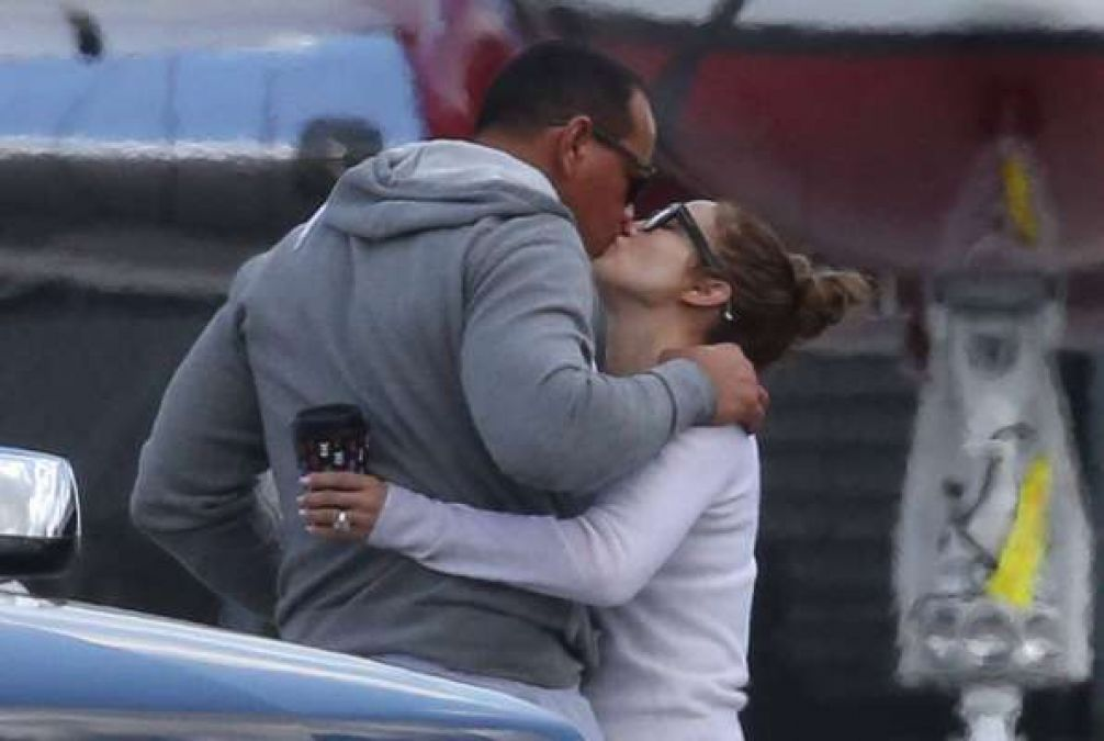 Jennifer Lopez seen romancing at the airport with her