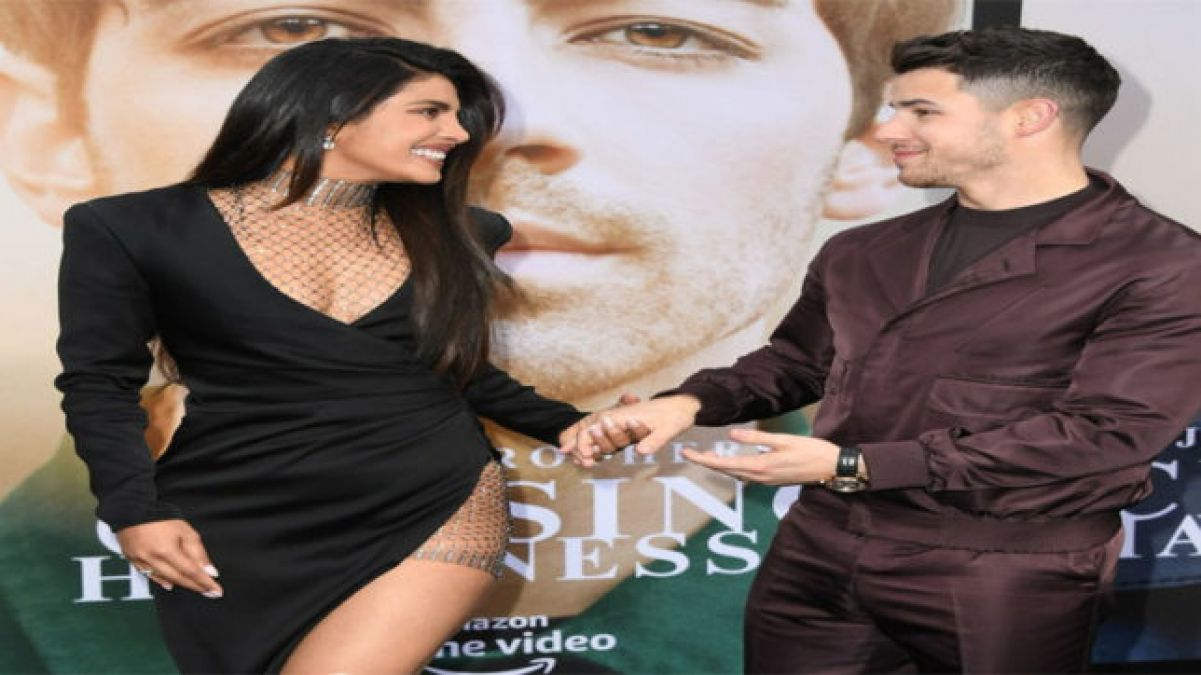 Nick Jonas pen downs a song for Priyanka; I