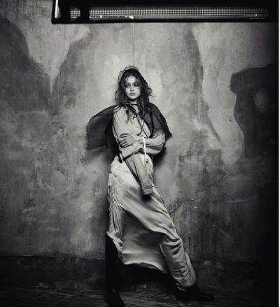 वोग मैगज़ीन के लिए गिगी हदीद का दिखा सेक्सी फिगर, वायरल हुई तस्वीरें