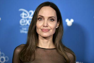 Angelina Jolie's stylish avatar surfaced, set fire on Instagram