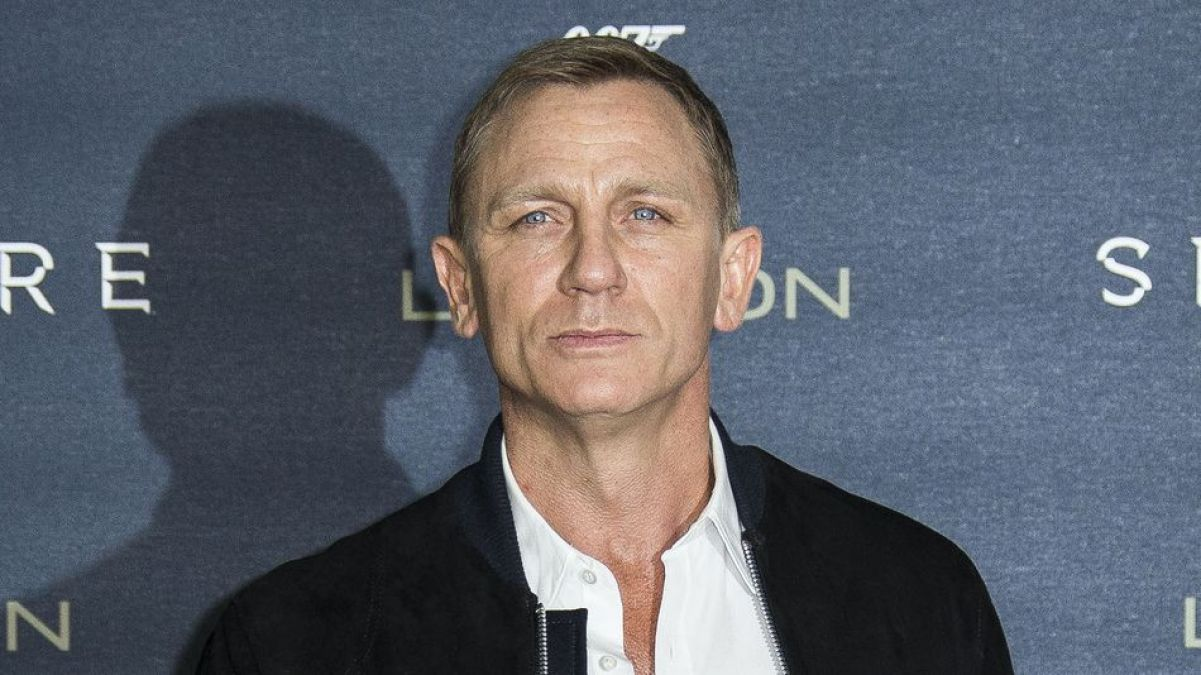 James Bond 007 fans wait ended, first look