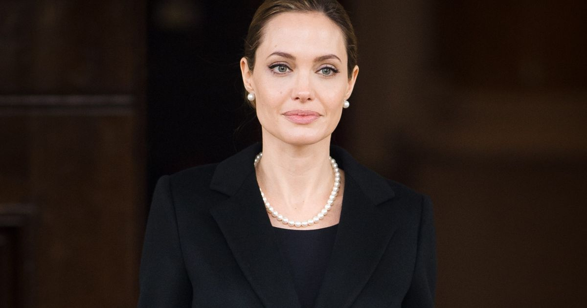Angelina Jolie divorced Brad Pitt due to his alcohol addiction, now said something like