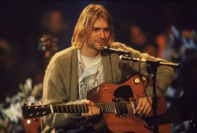 Kurt Cobain's fans crazy for him, paid this price for his sweater
