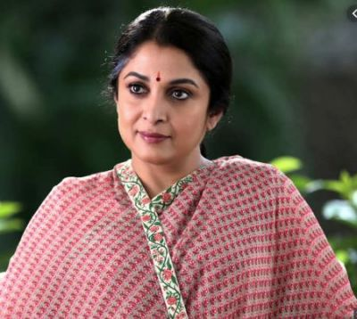 Queen Review: Before 'Thalaivi', Know Jayalalithaa's powerful story in web series