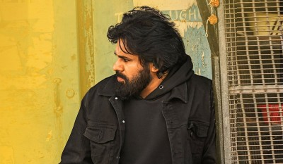 Fans after watching Pawan Kalyan's film starting broking glasses of theatre, find out why?