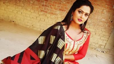 Anjana Singh's intimate Scenes with This Bhojpuri Actor is the next trend, See her Video Here!