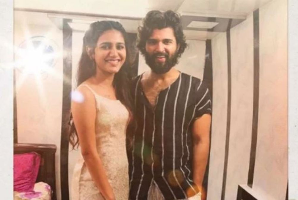 Priya Prakash's Photo Goes Viral With Arjun Reddy, Millions Of Fans Like it!