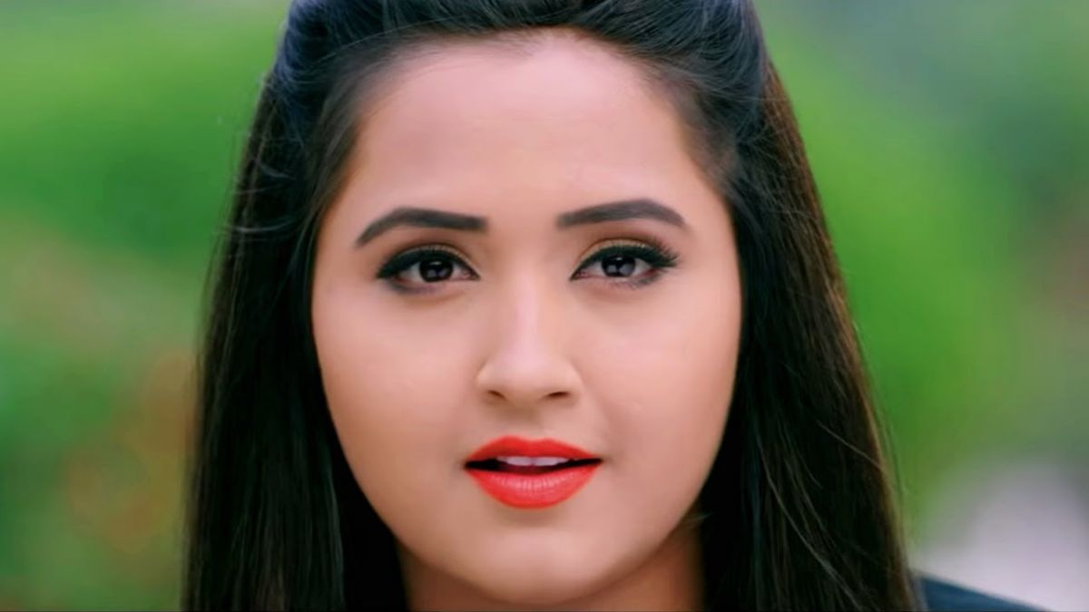 Bhojpuri Actress 'Kajal Raghavani' is breaking the image of this actor!