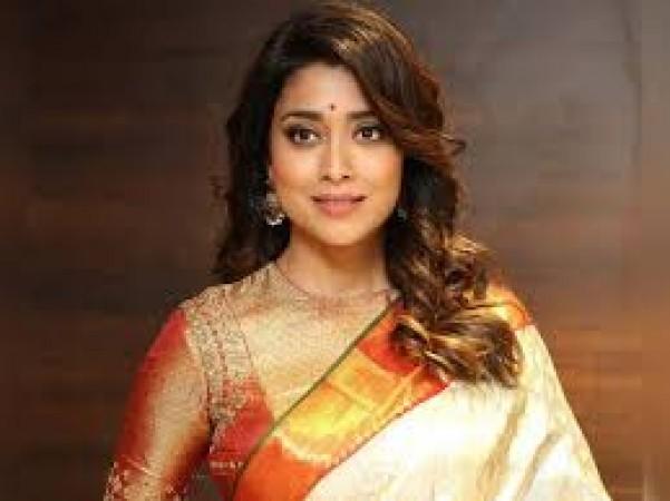 Shreya Saran May Be Seen In Tabu S Place In Andhadhun Telugu Remake News Track Live Newstrack English 1