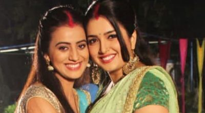 Amrapali Dubey celebrates Akshara Singh's birthday in a special way, here's the congratulatory message!