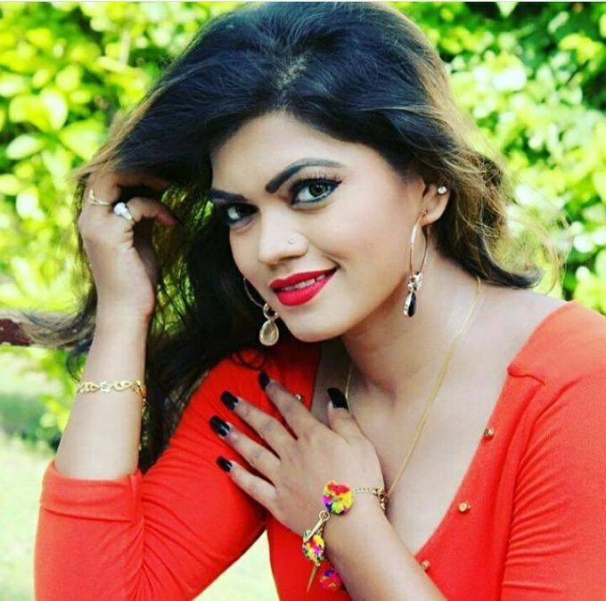 Bhojpuri actress Nisha Dubey will be seen opposite Pramod Premi in these two films