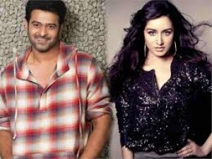 Prabhas and Shraddha expressed happiness on 1 year of'Saaho'