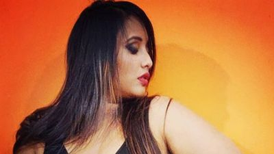 Rani Chatterjee spotted in hot dress, fans go crazy