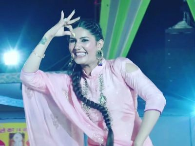 Sapna Chaudhary set the stage on fire with dance moves on the song 'Gunghat  Ki Oat', video goes viral
