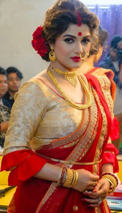 This Bengali actress shares traditional look on Instagram, Checkout here