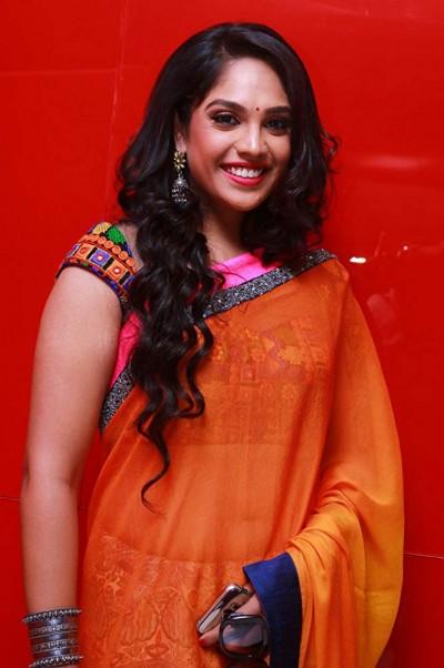 Mumtaz shared her traditional look on social media
