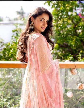 This Malayalam Actress Is Bored With Bedroom Scenes Newstrack English 1
