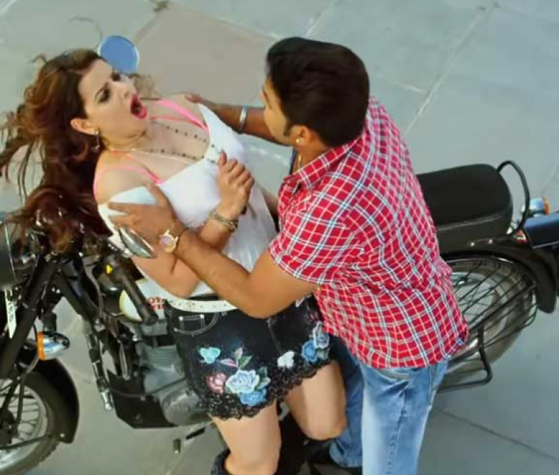 Pawan Singh with Madhu Sharma seen in Romantic Looks, Video Goes Viral!