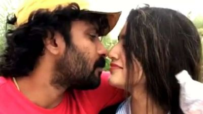 Viral Video: Wink Girl gets ready to kiss Sinu Siddharth