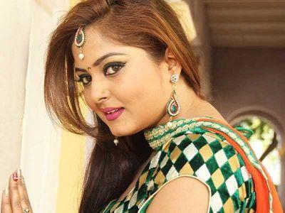 'Anjana Singh' made tremendous moves, videos go viral on social media!