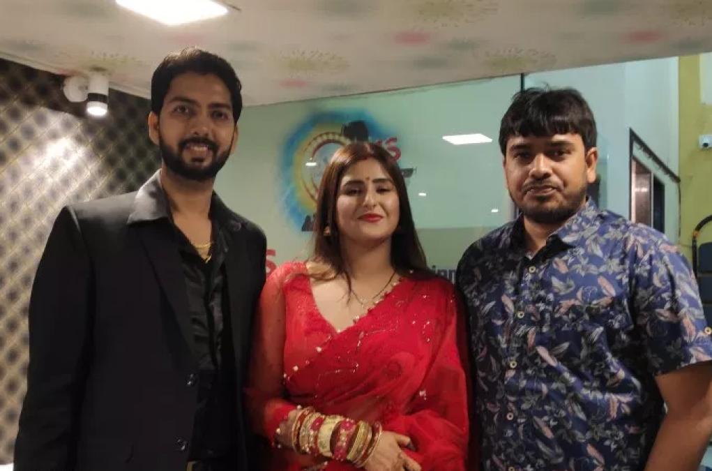 'दबंग सरकार' फेम 'आकांक्षा अवस्थी' ने इस बिजनेस मैन से रचाई शादी
