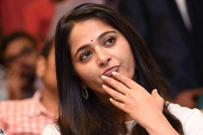 Anushka shared Baahubali Prabhas starrer Saaho teaser
