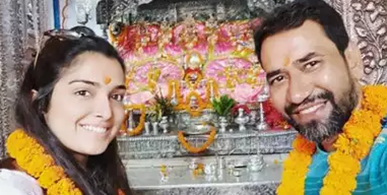 A beautiful picture of Nirhua and Amrapali surfaced, fans asked strange questions!