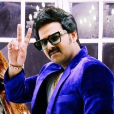 Pawan Singh's song is going on a blast, see here