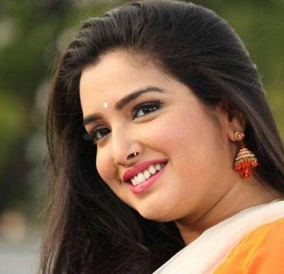 आम्रपाली दुबे का नया भोजपुरी छठ गीत सोशल मीडिया पर मचा रहा धमाल