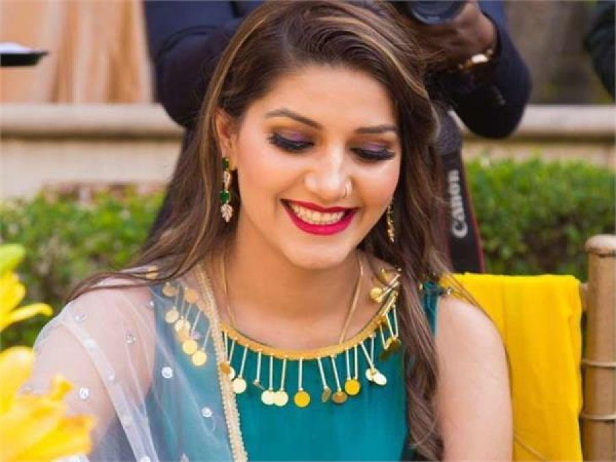 Haryanvi Anarkali Sapna Chaudhary's dance video spread like fire on internet