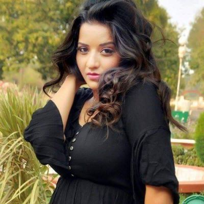 Monalisa flaunts in a baby pink salwar suit, see picture