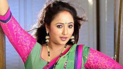 Bhojpuri song 'Rimjhim Barsela Sawan' created a stir, Rani Chatterjee's hot avatar made fans crazy
