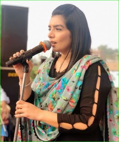 Punjabi singer Rupinder Handa shares her new video, Watch here