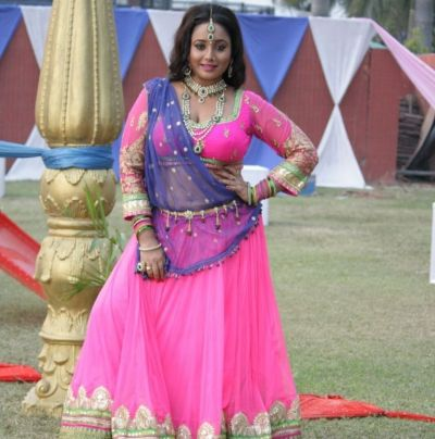 Rani Chatterjee's black dress avatar drives fans crazy