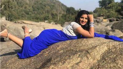 Bhojpuri actress Poonam Dubey crosses all limits with this song, check out video here